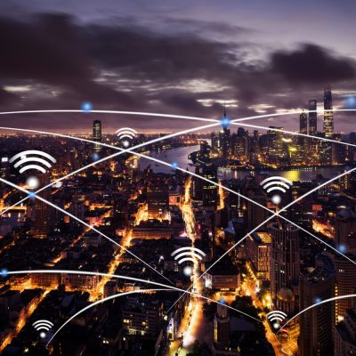 Ansicht einer großen Stadt mit verschiedenen SDN-Knotenpunkten