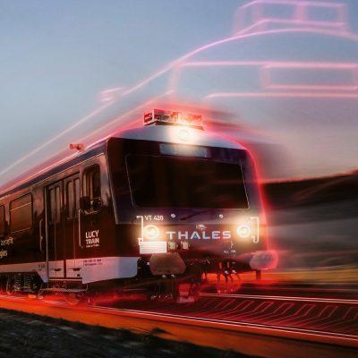 Thales Lucy-Zug unterwegs