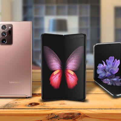 Samsung Note20 Ultra, Samsung Galaxy Fold und Samsung Galaxy Z Flip auf einem Holztisch