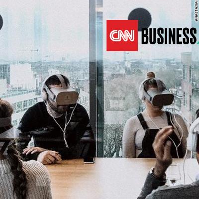 Mitarbeiter mit VR-Brillen