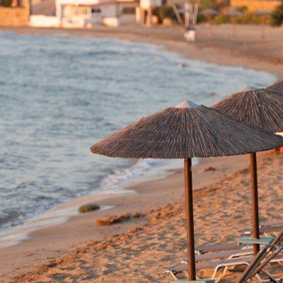 Leerer Strand in der Europäischen Union (Insel Chios)