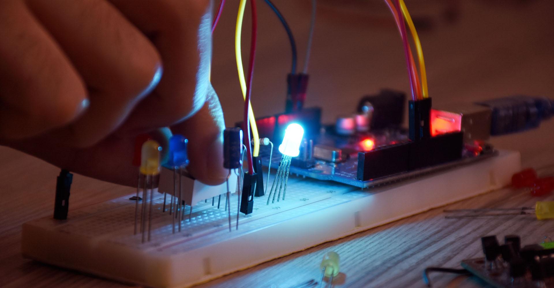 Breadboard mit einem Raspberry-Computer