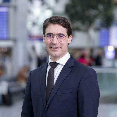 Lars Mosdorf, Geschäftsführer kaufmännische Bereiche und IT bei der Flughafen Düsseldorf GmbH, erklärt im Interview die Vorteile einer leistungsstarken Standortvernetzung.