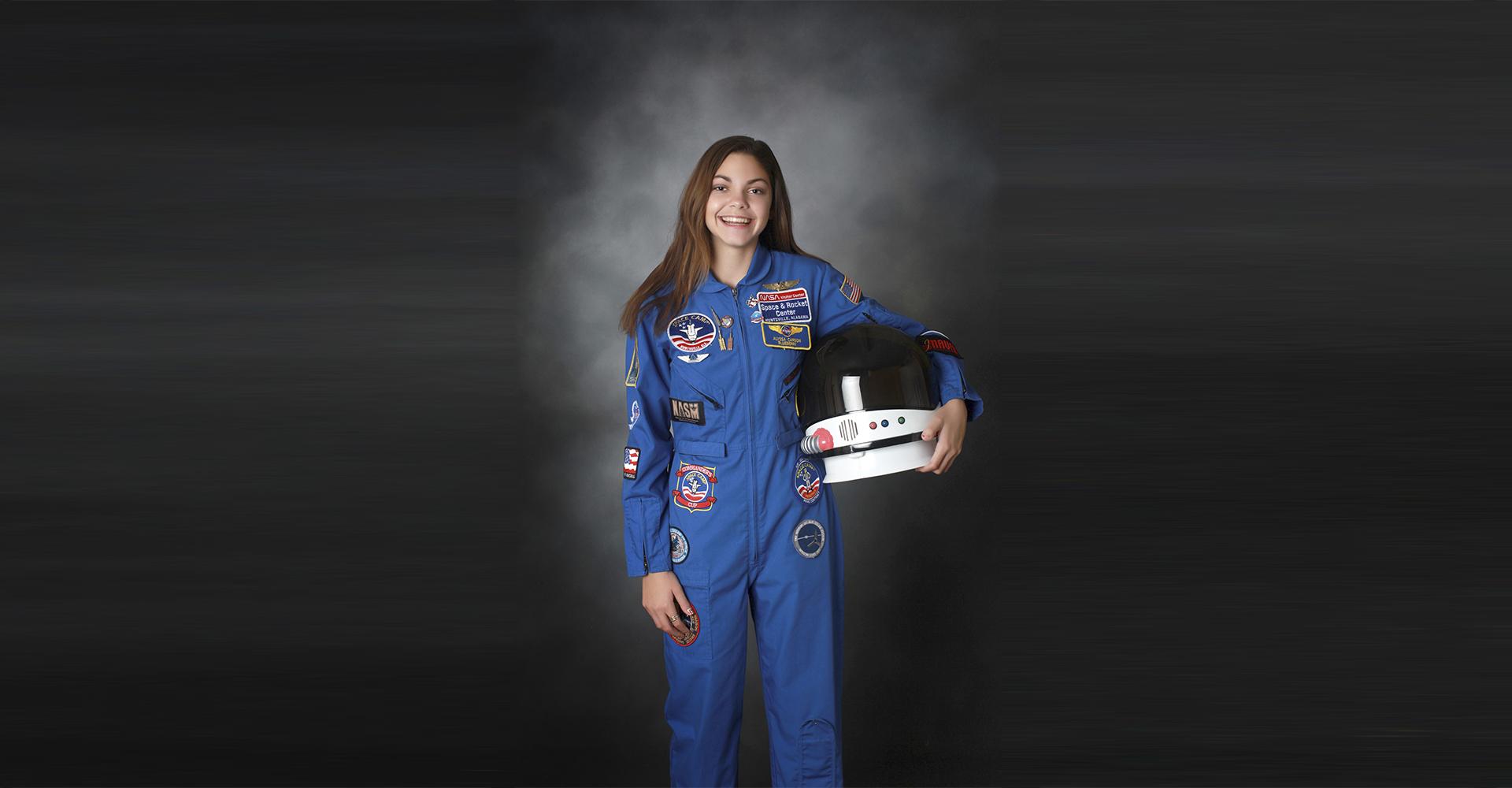 Alyssa Carson im Raumanzug